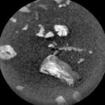 L'oggetto ritrovato dal Curiosity su Marte - credit NASA