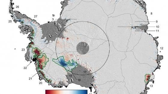 Due gigantesche lingue di ghiaccio nell'Antartide si stanno sciogliendo