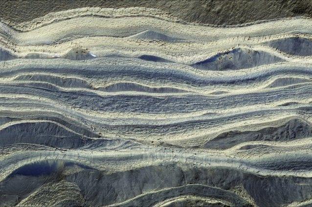Marte, scoperti vasti ghiacciai sotto la sabbia