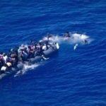 Sea Watch filma migrante che annega e dà l'allarme, la Marina italiana non interviene