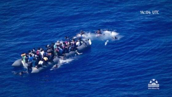 migrante che annega