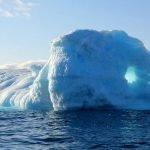 Caldo record in Groenlandia, in un giorno si sono sciolti 2 miliardi di tonnellate di ghiaccio