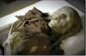 Il mistero della donna di 800 milioni di anni rinvenuta in una bara di marmo