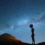 Ex astronauta: Gli alieni esistono e potrebbero essere qui sulla Terra