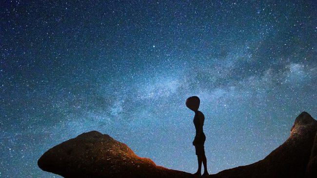 """Ex astronauta: """"Gli alieni esistono e potrebbero essere qui sulla Terra"""""""