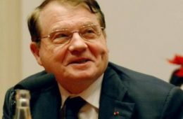 Luc Montagnier premio nobel 2008, il virus è stato modificato in laboratorio