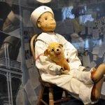 Robert the Doll, la leggendaria bambola malvagia in un museo della Florida
