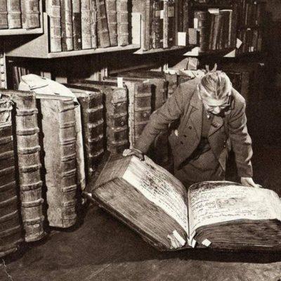 il mistero dei libri giganti negli Archivi del castello di Praga